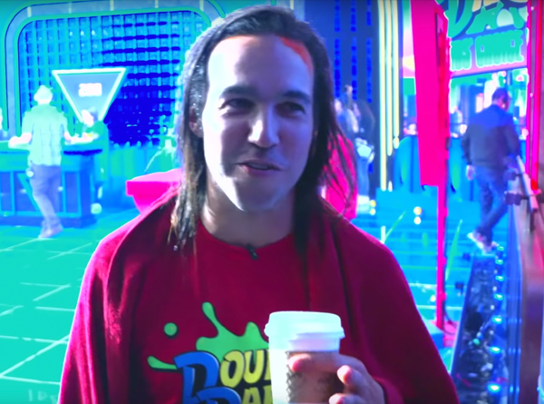 Pete Wentz talking with Double Dare